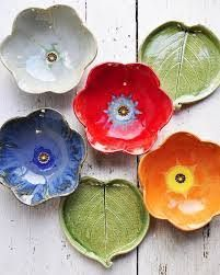 I finished restocking early tonight. Go find something that will make a person who likes to cook and serve in style very happy. by leewolfepottery Ceramics Projects, Clay Projects, Clay Crafts, Slab Pottery, Ceramic Pottery, Pottery Art, Pottery Studio, Ceramic Poppies, Ceramic Flowers