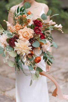 Bridal Bouquet Fall, Fall Bouquets, Fall Wedding Bouquets, Flower Bouquet Wedding, Wildflower Wedding Bouquets, Bouquet Of Flowers, Spring Flower Bouquet, Wedding Flower Guide, Bridesmaid Flowers