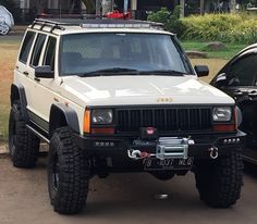 95 XJ manual nicely done, keeping it simple. That's the way to do it and still have an excellent, reliable Jeep. Jeep Sport, Jeep Cherokee Sport, Jeep Cars, Jeep 4x4, Jeep Truck, Jeep Grand Cherokee, Jeep Xj Mods, Badass Jeep, Jeep Commander