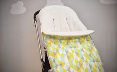 Saco de invierno nonotú adaptado a todo tipo de sillas de paseo y carros. Pasear calentito nunca fue tan molón