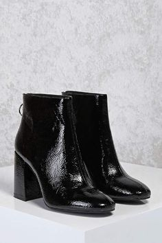 1a61d75b232 FOREVER 21 Faux Patent Leather Ankle Boots