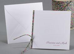 Simply White #Hochzeitskarten mit dem einzigartigen #LibertyBand #kreativehochzeitskarten #einladungskarten Bohême Sky M05-000-L