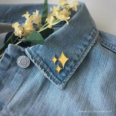 Gold Sparkle Star Enamel Pins set of 2 - Magical Emoji Pin yellow - Brooch for Women Girls - Disney Sparkle Emoji, Gold Sparkle, Pins Badge, Cool Pins, Pin And Patches, Lapel Pins, Pin Collection, Things To Buy, At Least