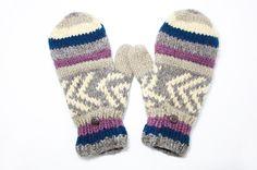 http://i1382.photobucket.com/albums/ah263/betweensummer/Gloves/_DSC0477_zpsoog1jmhg.jpg ▲天氣冷的季節,需要溫暖的陽光撒下,一雙保暖的手套是必要的,怕你著涼,讓他好好照顧你吧!   ▲色彩清爽的圖紋設計  htt...