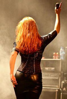 Women in Metal! Chica Heavy Metal, Heavy Metal Bands, Ladies Of Metal, Metal Girl, Tv Girls, Women Of Rock, Rocker Girl, Symphonic Metal, Power Metal