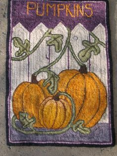Hooked Rug, love this Halloween accent