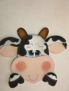 wie man Kühe aus recyceltem Material macht - Suche mit Google Wood Crafts, Fun Crafts, Halloween Yard Art, Sweet Cow, Doll Face Paint, Farm Quilt, Cow Gifts, Jar Art, Crafts For Seniors