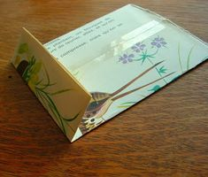 Urban Natural History: DIY Paper gift bags - upcycled, cheap and pretty darn cute Paper Gift Bags, Paper Gifts, Diy Paper, How To Make A Gift Bag, How To Make Paper, Cool Diy Projects, Craft Projects, Recycled Crafts, Diy Crafts