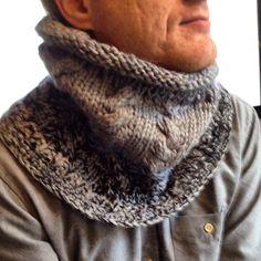 Halsrør strikket med snoninger