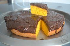 Os únicos bolos de cenoura que comi na vida foram feitos por mim, deve existir bolo mais gostoso que o meu, mas definitivamente o que faço é muito bom e fofinho. As pessoas que comem adoram e hoje vim compartilhar com vocês a receita. Ingredientes: 3 cenouras médias cruas e sem casca 3 ovos 1 …