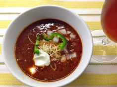 Neurotic Kitchen : A Super Bowl…of Chili! - Beef Chili to Die For Breakfast Stout, Cooking With Beer, Kitchen Recipes, Soups And Stews, Super Bowl, Slow Cooker, Chili, Nom Nom, Beef