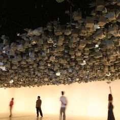 Pinaree SANPITAK - Anything Can Break Interactive Origami Cubes and Glass Clouds Installation Origami Installation, Artistic Installation, Interactive Architecture, Interactive Art, Origami Cube, Origami Art, Paper Art Projects, Aboriginal Painting, Bokashi