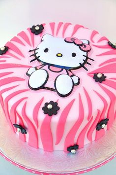 Hello Kitty Cake - My little Fiona would love it :)