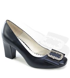 60 Best Trachten Schuhe Damen images | Dirndl, Sock shoes, Shoes