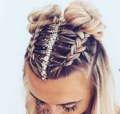 Fun and festive hairstyle for NYE by :: NYE Hairstyles for women NYE hair Hairstyle inspiration Hairstyles with glitter Topknot buns french braid hairstyles clip in extensions Hair Inspo, Hair Inspiration, French Braid Hairstyles, Two Buns Hairstyle, Easy Hairstyles, Hairstyle Ideas, Hairstyles For Women, Cute Hairstyles For Short Hair, Style Hairstyle