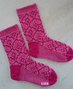 Ravelry: Awes' Pink is the new Grey Crochet Socks, Knitting Socks, Hand Knitting, Knit Crochet, Lots Of Socks, Knitting Machine Patterns, Socks For Sale, Pink Socks, Wool Socks