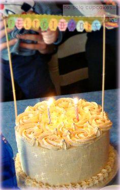 No solo cupcakes... con Mara : Layer cake con dulce de leche II - Feliz Semana Santa! - Pretexto para celebrar 10.000 visitas en el blog!