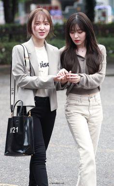 Red Velvet アイリン, Wendy Red Velvet, Red Velvet Irene, Velvet Style, Red Velet, Trending Photos, Casual Outfits, Fashion Outfits, Velvet Fashion