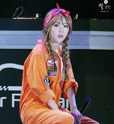 She is so pretty! ♥♥♥ #moonbyul #moonbyulyi #moonstar #문별 #문별이 #mamamoo #solar #moonsun #xiumin #minseok #exo #minhyuk #btob #seulgi #redvelvet