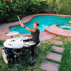 Feels like summer  TAG A DRUMMER Featured  @thebrentcamp  #drum#drums#drummer#drummerboy#drumset#drumkit#drumporn#drumline#drummergirl#recordingstudio#musico#baterista#instadrum#drumming#percussion#percussionist#drumsoutlet#tama#DWdrums#ludwig#sjcdrums#gretsch#Bateria#pearldrums#drumlife#drumdrumdrum#sessiondrummer#drumsticks by drumset_up