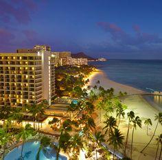 Hilton Hawaiian Village Waikiki Beach Resort in Hawaii... Ali'i Tower at night