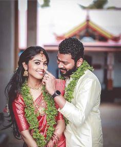 Love this South Indian Pink bridal saree Marriage Poses, Marriage Images, Marriage Couple, Indian Wedding Couple Photography, Indian Wedding Photos, Couple Photography Poses, Photography Photos, Pre Wedding Poses, Pre Wedding Photoshoot