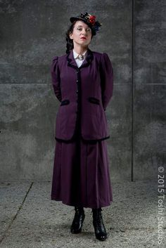 Build diary for a FANTASTIC Missy cosplay. The costumer also has a great board for the costume here: https://www.pinterest.com/britgeekgrrl/missy-dark-water-doctor-who-cosplay/