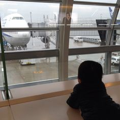 Haneda Airport. My son had watched the Airplane(boing 747)
