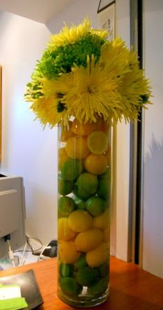 60 Spring & Easter decorating ideas for home coz' spring has sprung & we can't contain the excitement - Hike n Dip Fruit Centerpieces, Fruit Decorations, Wedding Decorations, Easter Centerpiece, Easter Decor, Vase Deco, Diy Bouquet, Arte Floral, Flower Vases