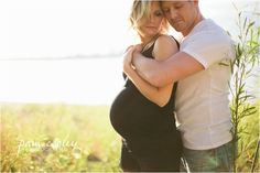 Maternity: love the embrace and lighting