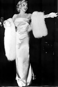 Marilyn Monroe - March 4, 1953 - attending the premiere of Call me Madam, a play performed by Ethel Merman, her partner in There's No Business Like Show Business - at the Fox Ritz Theatre, 5214 Wilshire Boulevard, LA