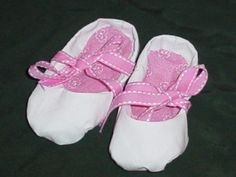 DIY Ballet Newborn Soft-Sole Baby Shoes - Yahoo! Voices - voices.yahoo.com