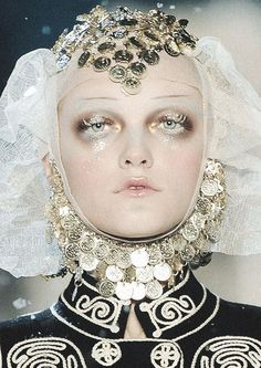Frosted Russian princess Vlada Roslyakova at John Galliano Fall 2009