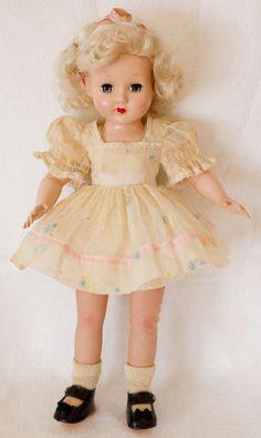 Vingage Effanbee Tintair Honey Doll. All Original