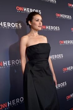 Megan Boone Photos - Megan Boone attends CNN Heroes 2017 at the American Museum of Natural History on December 2017 in New York City. Elizabeth Keen, Megan Boone, Strapless Dress Formal, Formal Dresses, Black Blouse, Black Pants, Beautiful Actresses, Gorgeous Women, December 17