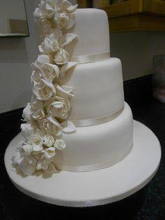 wedding cakes solihull, www.anyoccasioncakes.com/ enquiries@anyoccasioncakes.com
