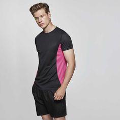 Camiseta deportiva manga corta unisex combinada a dos colores con los  laterales contrastados. Tejido transpirable 655a2241c8f47