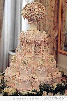 Amazing-ice-pink-wedding-cake
