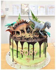 Dinasour Birthday Cake, 3rd Birthday Cakes, Dinosaur Birthday Party, 3rd Birthday Parties, Third Birthday, Birthday Ideas, Elmo Party, Mickey Party, Party Party