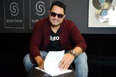 Marcos Nunes assina contrato com a Som Livre.   Lucas Souza Publicidade