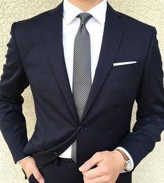 Custom Made Dark Navy Blue Wedding Prom Dinner Suits For Men 2 Pieces Slim Fit Groom Tuxedos Best Man Suit blazer masculino Sharp Dressed Man, Well Dressed Men, Mens Fashion Suits, Mens Suits, Fashion Mode, Fashion Outfits, Fashion 2018, Fashion Clothes, Fashion News