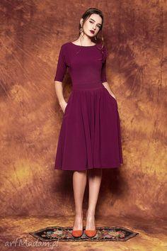 Rozkloszowana sukienka paskiem sukienki kasia miciak design