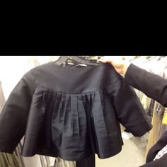 Just a fabulous crop pleat jacket! A grab-and go!