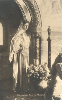 Queen Marie of Romania Gallery - Princess Elisabeth of Romania The Crown, Queen Victoria, Romania, Royalty, Statue, Princess, History, Gallery, Silver Room