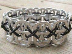 Comment faire un bracelet avec des capsules de canettes • Hellocoton.fr