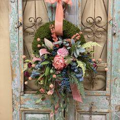 Spring Front Door Wreaths, Spring Wreaths, Summer Wreath, Moss Wreath, Diy Wreath, Door Swag, Pink Velvet, Creative Decor, Front Doors