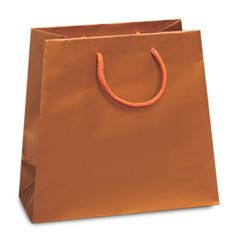 Noble Gift Packaging's elegant 150 gsm copper paper tote bags come in an inverted trapezoid shape with a matt finish.  They have wide side and bottom gussets and matching rope handles.  Each bag comes with a gift tag.
