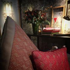 Loro Piana Showroom | Paris  Presentació col·lecció Doge. / Presentación colección Doge.   Paris Deco Off 2018 #loropianainteriors #ontario #fabrics #doge #interiors #interiores