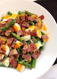 Jo and Sue: Warm Asparagus Bacon and Egg Salad with Mustard Vinaigrette - only 250 calories, low cal, low carb, healthy eating, gluten free.