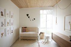 Strakke zachte babykamer